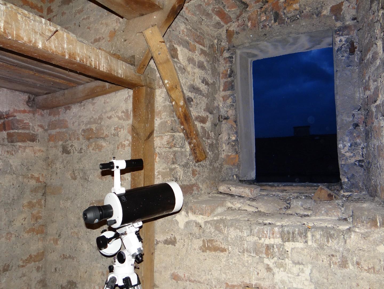 Teleskop Sky-Watcher na montażu paralaktycznym