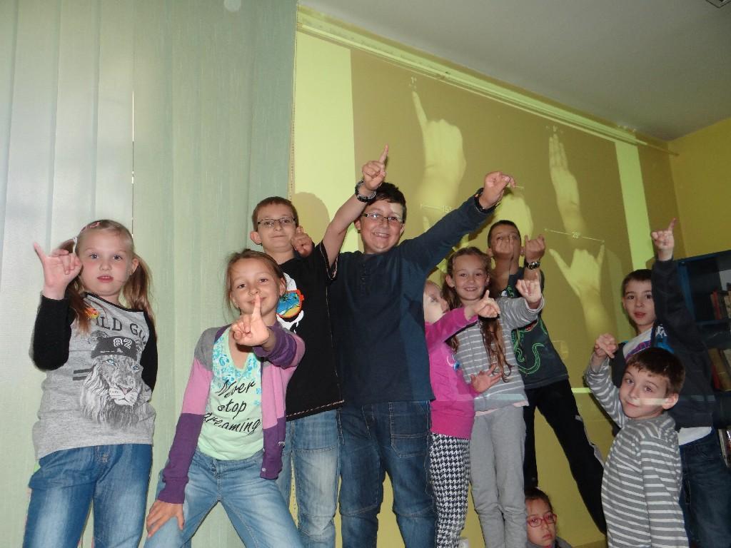 Grupa Młodsza Koła Astronomicznego w Kaliszu mierzy Kosmos.
